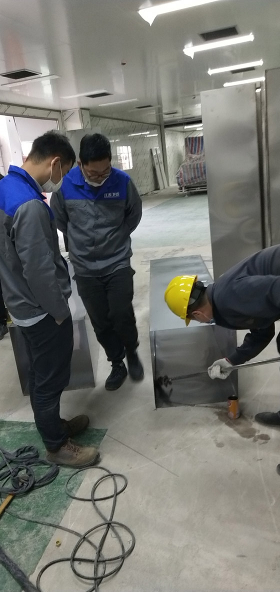 江苏卫蓝安装现场风管测漏检测中