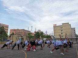 我做操,我健康——鹏锦机械组织员工每天做瑜伽操,增强体质